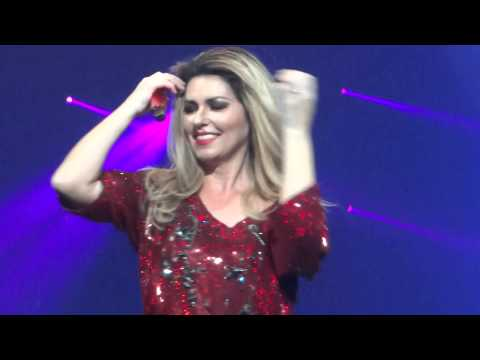 SHANIA TWAIN - KANSAS CITY 8.7.15 - LOVE GETS ME EVERY TIME