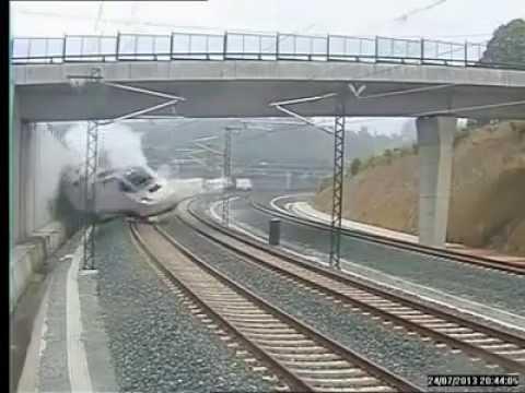 كارثة قطار اسبانيا وقت الحادث +18