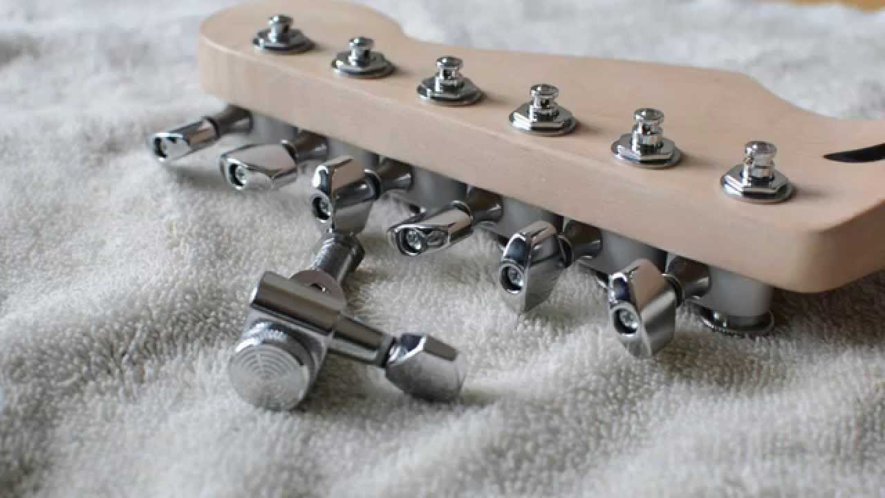 sperzel locking tuners vs gfs guitarfetish locking tuners youtube. Black Bedroom Furniture Sets. Home Design Ideas