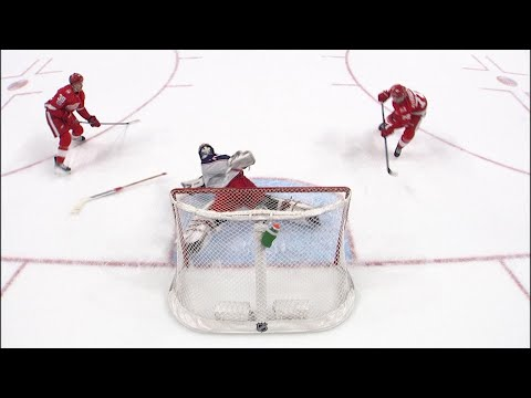 Sergei Bobrovsky robs Athanasiou on 2-on-0