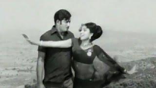 Vesavu Bhale Veshalu – Krishna, Bharathi  - Neramu Siksha [ 1973 ]