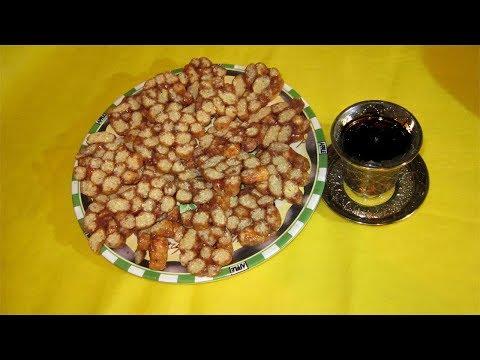 Чудное лакомство - колбаса из кукурузных палочек с ирисом. Быстро. Просто.Любимый рецепт.