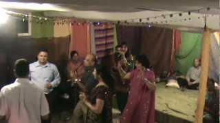 Charkha kukar denda...Geet singing at ladies sangeet