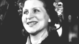 Дрессировщица М. П. Назарова. 1956 год