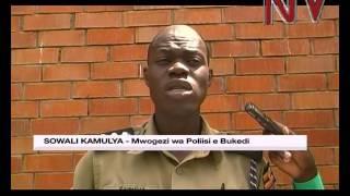 Poliisi e Busia eriko omuwala gwesse oluvannyuma lw'okumukuba ekisasi ekya rubber thumbnail