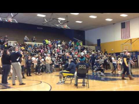 Basketball homecoming 2015 musical chairs