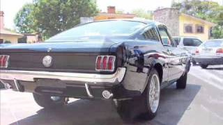 Mustang 1965 Ford Racing Burnout...