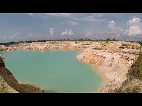 Open Pit Mine... Beautiful And Scary! (Sand Mine)