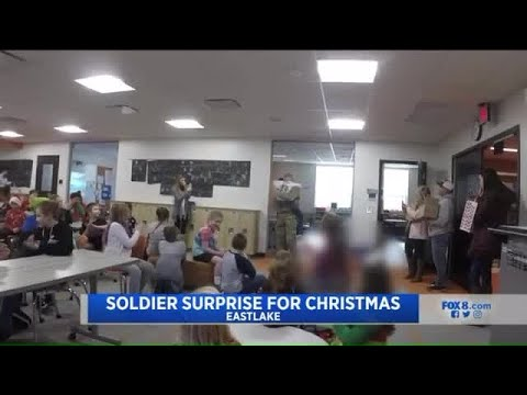 Soldier surprises brother for Christmas at Ohio elementary school
