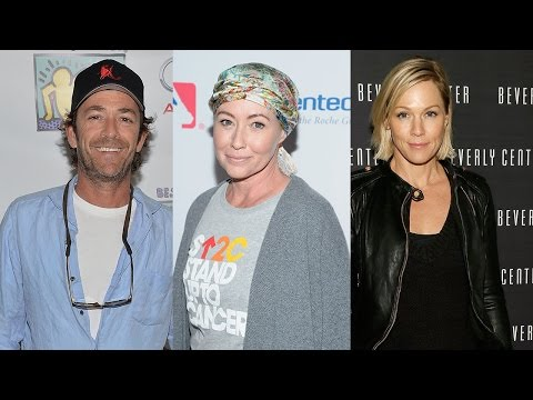 Luke Perry and Jennie Garth Honor Shannen Doherty During \'Beverly Hills 90210\' Cast Reunion