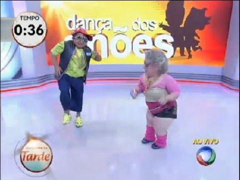 Dança Dos Anões: Casais Dão Show Ao Som De Funk