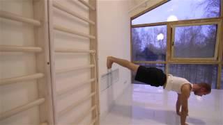 Силовая йога с Александром Хачукаевым  Видеоурок  Разминка у стены  360p