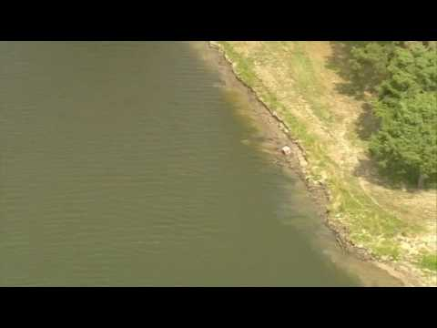 Fuel spills into San Jacinto River