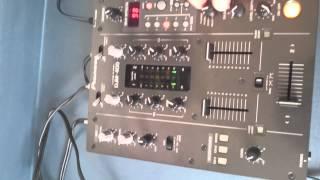 Mixer Pioneer DJM 400(Excelente mixer a ótimo custo. A venda no http://produto.mercadolivre.com.br/MLB-642441037-mixer-pioneer-djm-400-zerado-hardcase-frete-gratis-_JM., 2015-03-30T13:04:35.000Z)