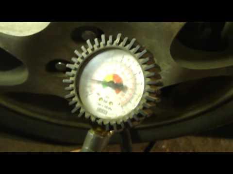 Как правильно подкачать колёса на легковом автомобиле!To pump up the wheels on the car