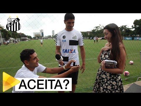 Com ajuda de Renato, Sócio Rei pede namorada em casamento
