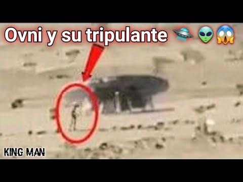 Ovni aterriza abre su compuerta y baja su tripulante son grabados por arqueólogos en el desierto