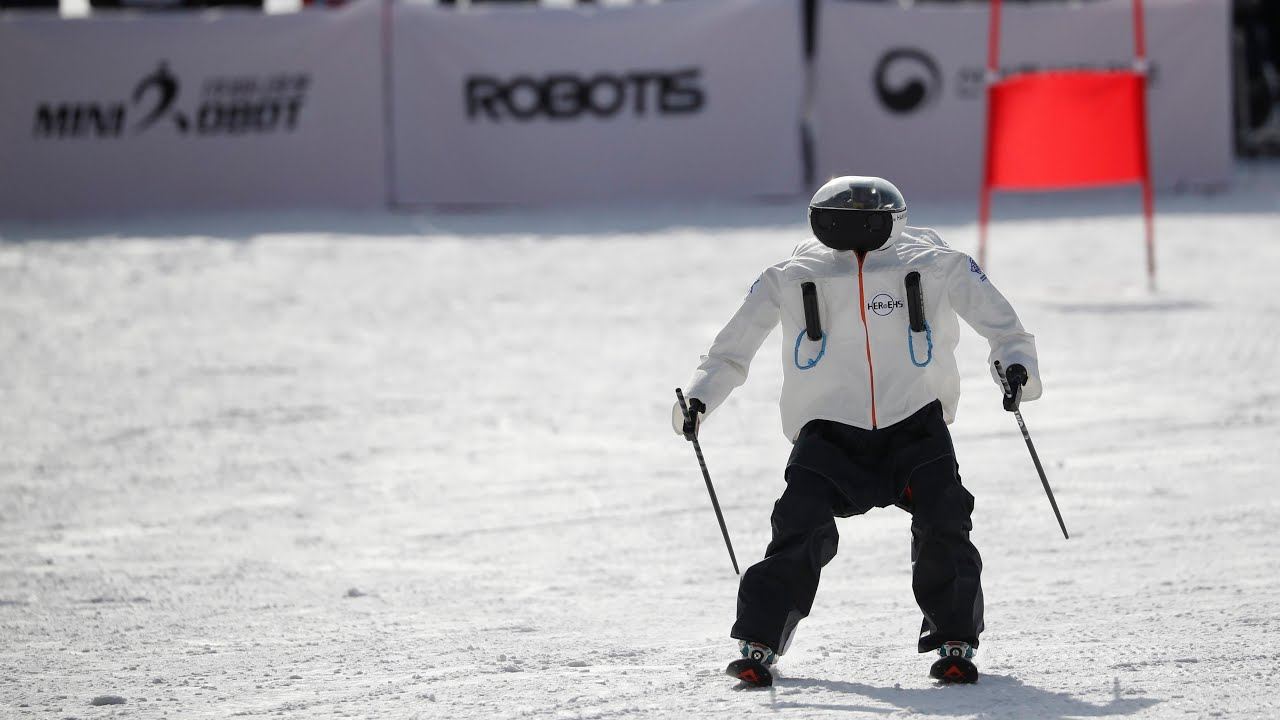 skiing-robots-hit-the-slopes-in-south-korea