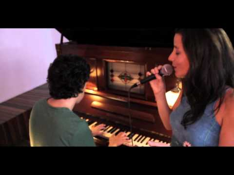 Sofia Ribeiro - Mimo (LatiraFilms Acoustics)