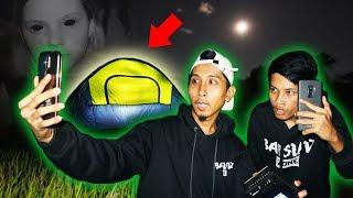 CAMPING DI TENGAH SAWAH JAM 12 MALAM SAMBIL NONTON FILM HOROR!!