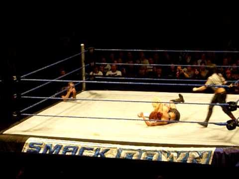 WWE Diva Match IN Frankfurt Teil 2 von 2