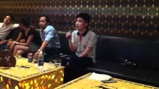 Quang Hà hát Karaoke Cay Đắng Bờ Môi của Quang Lê