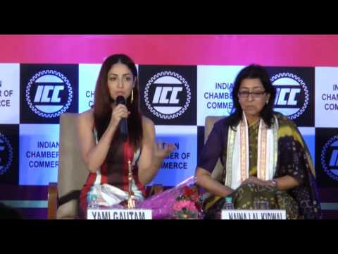 DD Door Dehat KK Mumbai ICC WOMEN ACHIEVER AWARDS 2017' WITH YAMI GAUTAM