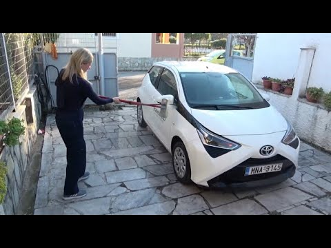 TOYOTA AYGO 1.0 washing and driving around (2019)