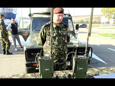 Panther 2000 H Radio Station And Harris RF 7800H MP Radio Station - Military Technique