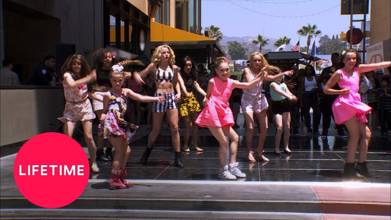 Download Dance Moms: ALDC vs. Candy Apples Dance Off  (Season 4 Flashback) | Lifetime
