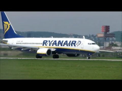 Spotting at Bratislava Airport (Ryanair, Sky Airlines & Danube Wings) - 20/4/2012
