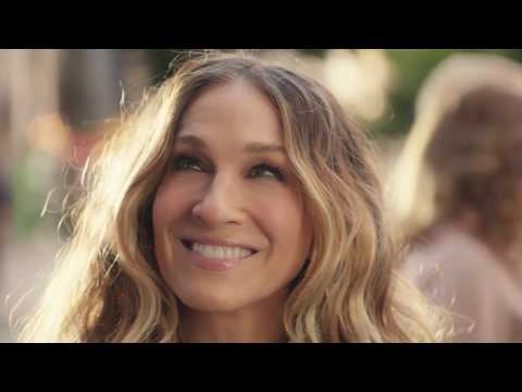 Showbiz Shelly - Sarah Jessica Parker Recreates 'Sex and the City' Opening for Commercial