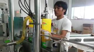 Mesin filling minyak di standing pouch