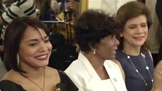Presidente Danilo Medina impone Medalla al Mérito a 14 mujeres dominicanas