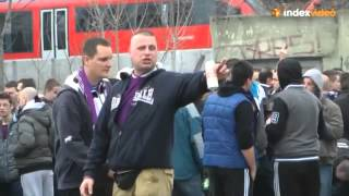 Újpest hooligans attack COPs
