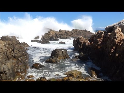 Relaxing nature scene - ocean waves washing into tidal rock pool - HD 1080P