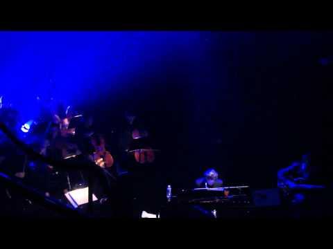 Novembre Toute l'Année (Rose Kennedy) ~ Benjamin Biolay @ Folies Bergère (29/06/2015)