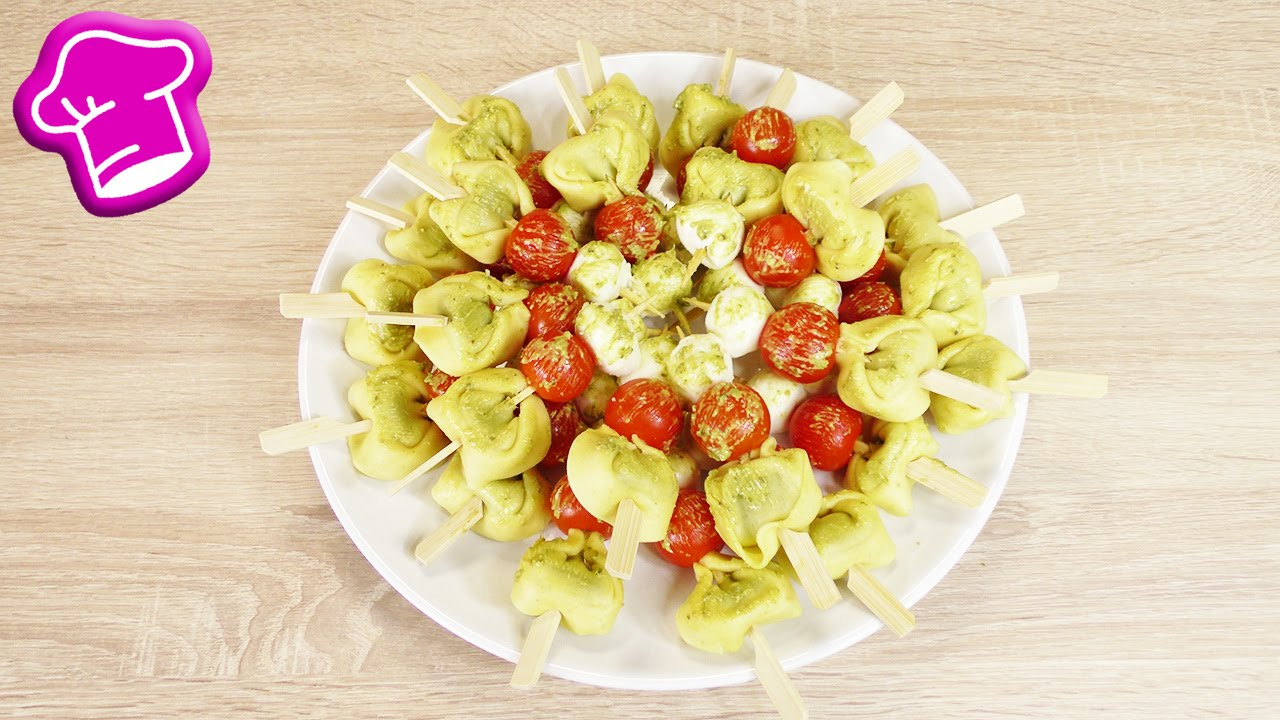 tortellini spie e finger food idee mit tomaten mozzarella pesto super lecker einfach. Black Bedroom Furniture Sets. Home Design Ideas