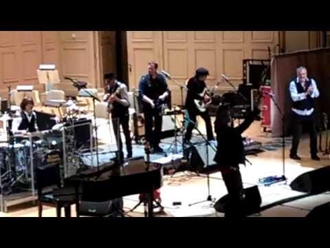 band intros, Brian Wilson, Symphony Hall Boston, Sat. 18 Jun 2016