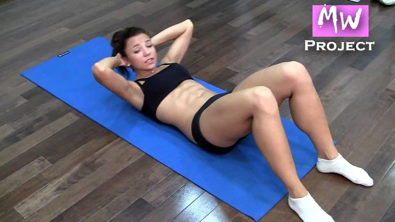 Девушки делают упражнение онлайн