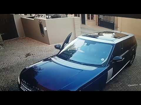 Victim shoots at hijackers in Bryanston