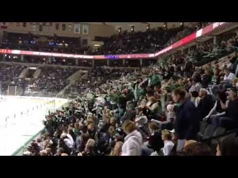 UND Hockey - Score!