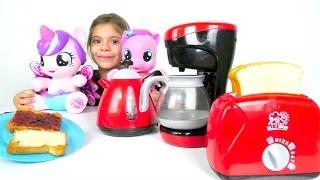 My Little Pony ile mutfak için eşya alıyoruz