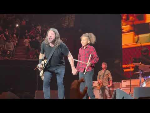 "Foo Fighters ""Everlong"" w/ 11-Year-Old Nandi Bushell, The Forum, Los Angeles, 8.26.21"