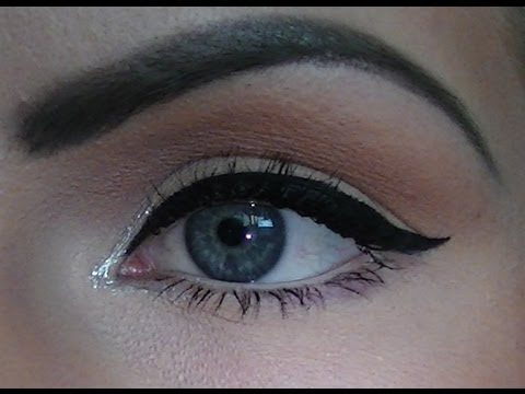 how to apply perfect liquid eyeliner makeup tutorial achieve sexy winged eyeliner in seconds. Black Bedroom Furniture Sets. Home Design Ideas