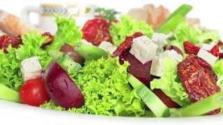 Membuat Mixed Green Salad Sehat Untuk Berbuka Puasa