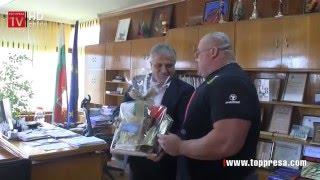 ВИДЕО: Димитър Саватинов получи Почетния знак на Община Гоце Делчев