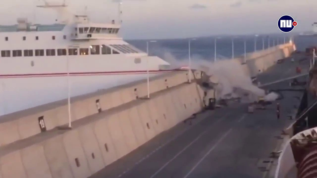 Cruise Ship Smashes Into A Port Wall On Gran Canaria