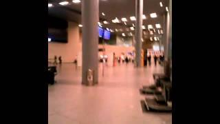 venezolano viajando Bogotá Caracas BOG - CCS haciendo escala Aeropuerto Internacional El Dorado