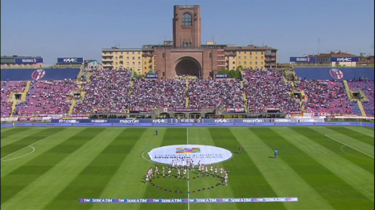 Castelguelfo Outlet - Show pre partita Bologna - Roma - YouTube